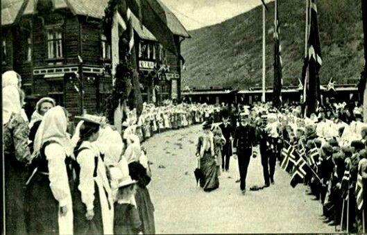 KRONINGSREISEN 1906 i Gudbrandsdalen  Utg John Fredriksons Kunstforlag Otta