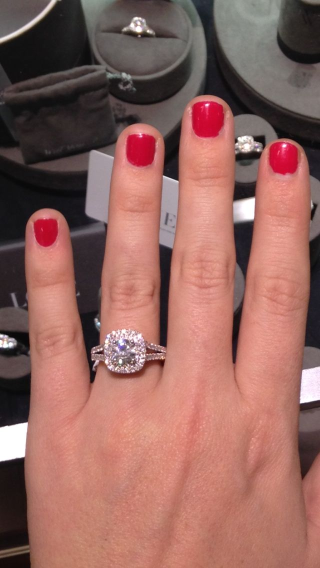 Dream Ring Engagement Vera Wang Cushion Halo With Round Center Diamond He