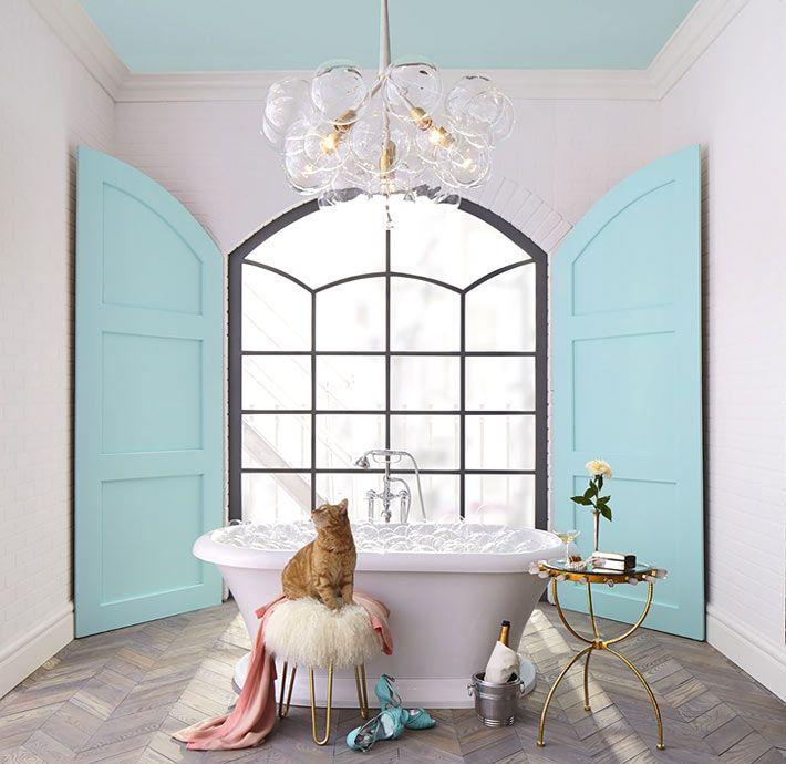 Нежно-бирюзовая ванная комната от дизайнера Lisa Mende