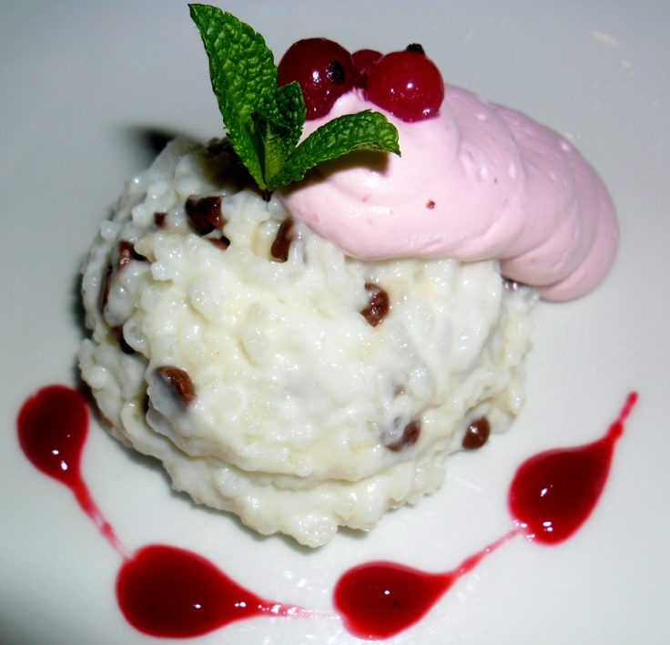 Rice pudding with chocolate and currant mousse