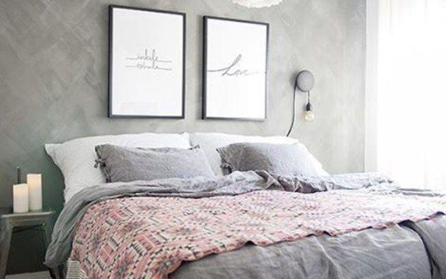 A cor pode deixar o ambiente aconchegante e romântico, como no caso desse quarto