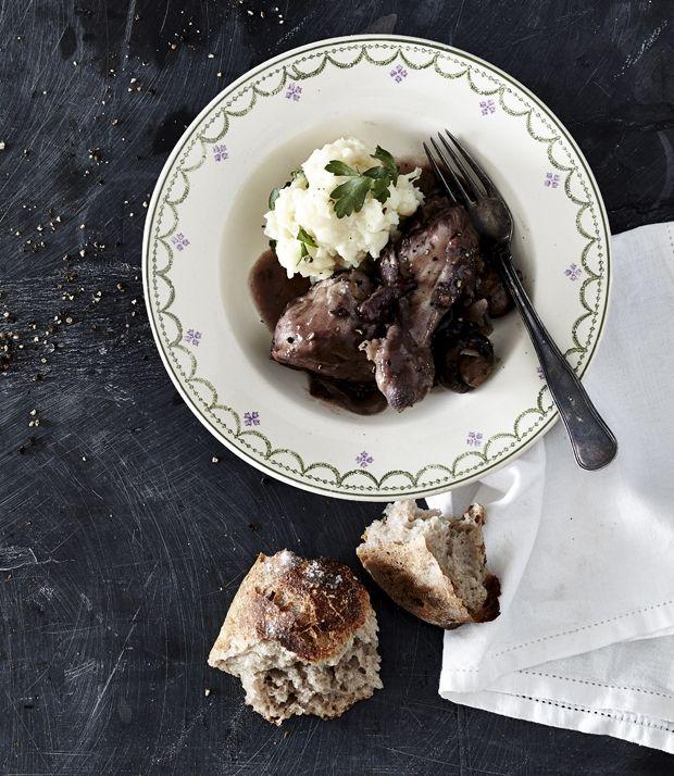Coq au vin med grov kartoffelmos | ISABELLAS
