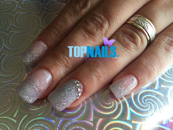 Uñas Acrílicas con Glitter y Cristales Swarovski.(Acrylic nails with Glitter and Swarovski Crystals)  Hazte Fans o Me Gusta  en https://www.facebook.com/topnails.cl   www.topnails.cl ☎94243426, saludos Beatriz