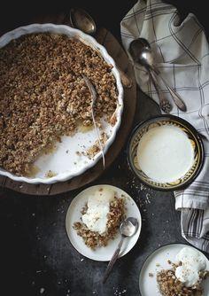 Glutenfri äppelpaj med nötter och kokos
