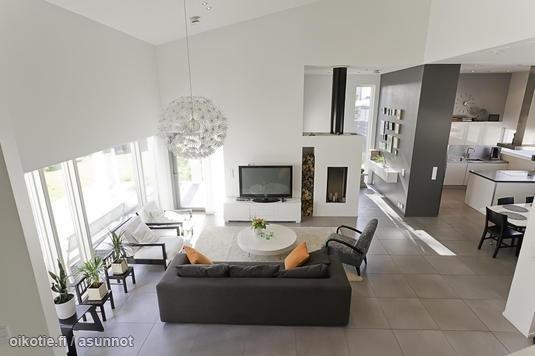 Large living room / Tilava olohuone