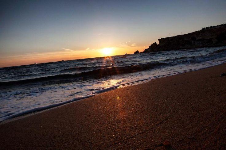 Il Profumo delle algae il mare che chiama e la sabbia calda ma non troppo... #malta #instapic #share #pensieri #photooftheday #picoftheday #sunlight #sunset #instagood #sandybeaches #mare #marenostrum #mediterranean #instaphoto #horizon #seabreeze