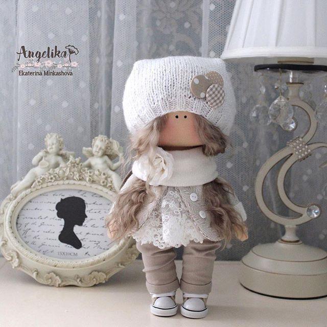 #ручнаяработа #текстильнаякукла #куклаизткани #интерьер #авторскаякукла #doll #handmade #кукласвоимирукамислюбовью руками