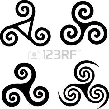Set van zwarte geïsoleerde Keltische symbolen - triskels photo