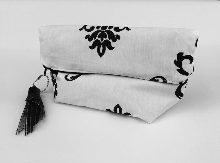 "Bag #fashionaccessories #clutch #pochette #black&white #baroque #dennyhandmade #dawanda Bustina ""Black&White"" a fantasia barocca  di Denny HandMade su DaWanda.com"