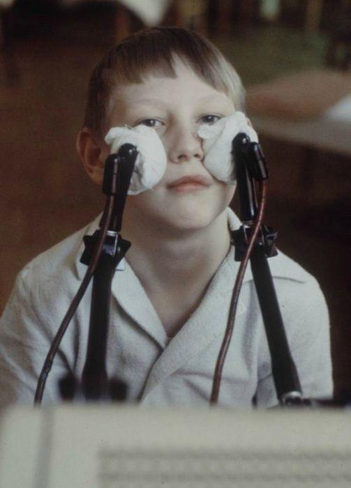 Физиотерапия после перенесенного гайморита. Москва, 1970-е годы.