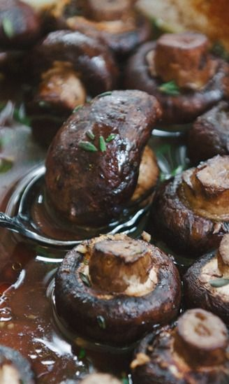 Roasted Mushrooms With Garlic, Thyme, And Balsamic Vinegar Recipes ...