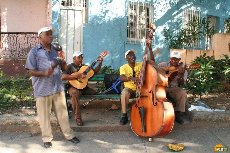 #SantiagodeCuba ist die zweitgrößte Stadt auf #Kuba. Sie bietet vielseitige architektonische Gebäude, wunderschöne Plätze und eine pulsierende Musiktradition.