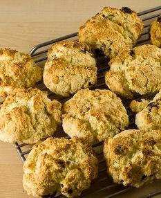 Recept Scones Van John | Smulweb.nl  10-15 minuten in de oven. Goed in de gaten houden dat het niet te hard gaat!