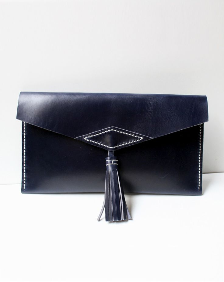 Clutch bolso de mano de cuero azul – Follow the Folk