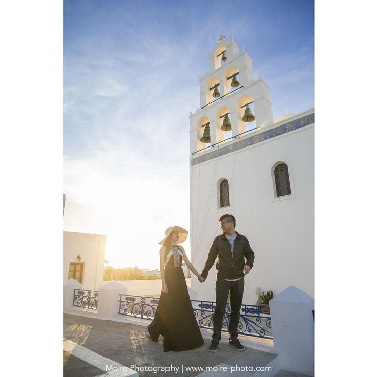 #santorini #engagement #engagementphoto #greece #oia #wedding #weddinginspiration