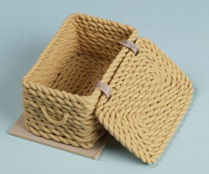 How to: Miniature basket from polymer clay.: