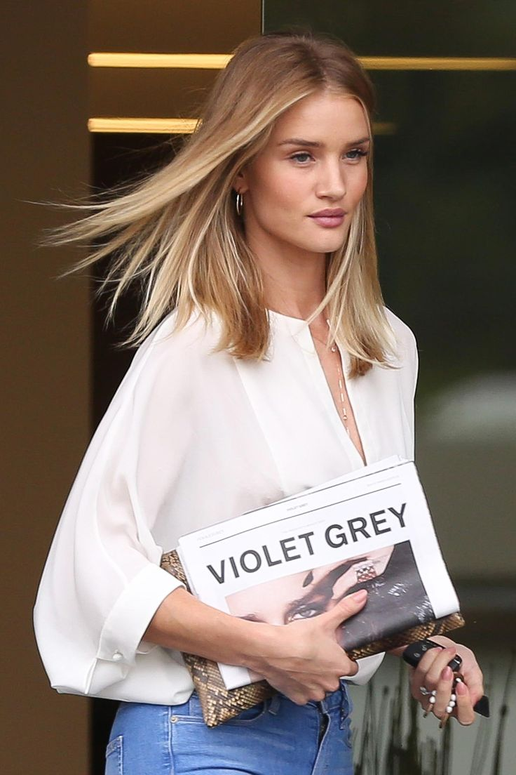 WHO: Rosie Huntington-Whiteley  WHERE: On the street, Los Angeles  WHEN: June 9, 2016