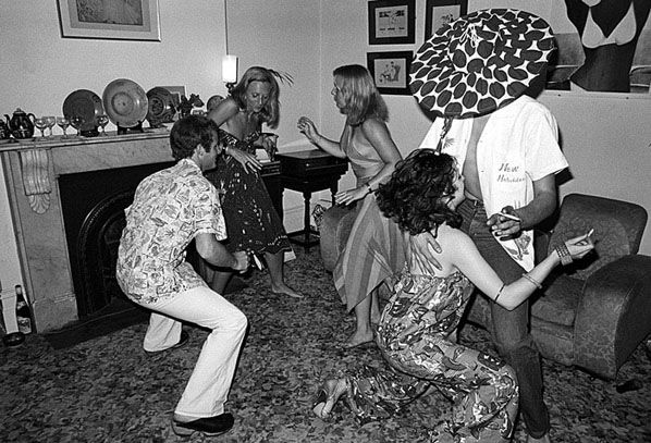 Raleigh st dancing, 1976, Rennie Ellis. Reminds me of parties my parents used to have...
