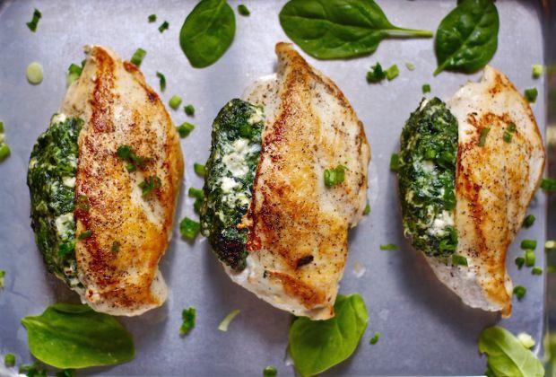 Szeretnél valami könnyű, egészséges vacsorát, ami kíméletes, mégis laktató? Legyen finom és mutatós? A csirkemell mindig tuti választás!...