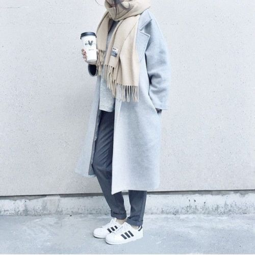 sporty hijab with sneakers, Sporty hijab street style http://www.justtrendygirls.com/sporty-hijab-street-style/