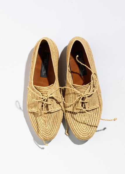 raffia shoes. want them, can't find anywhere.