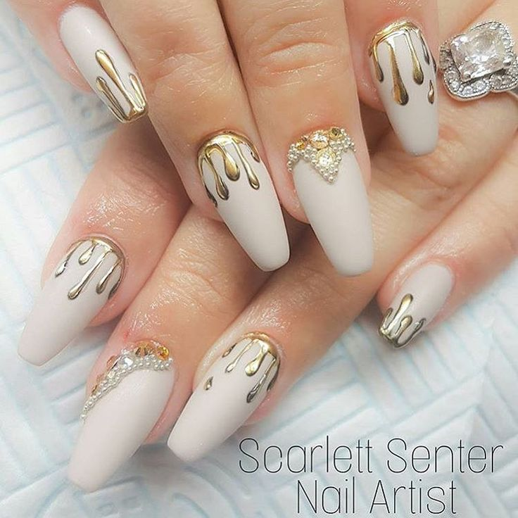 "3,254 Likes, 14 Comments - NAILPRO (@nailpromagazine) on Instagram: ""Gold chrome drip and pearl details by #nailpro @scarlett_senternailartist. ✨#nailprodigy"""
