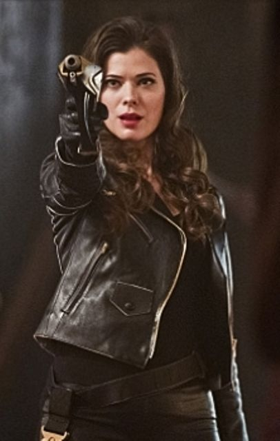 """Lisa Snart a.k.a. Golden Glider played by Peyton List. Introduced in season one of CW's """"The Flash."""""""
