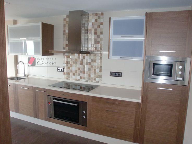 Gabinetes de cocina color blanco for Colores para gabinetes de cocina