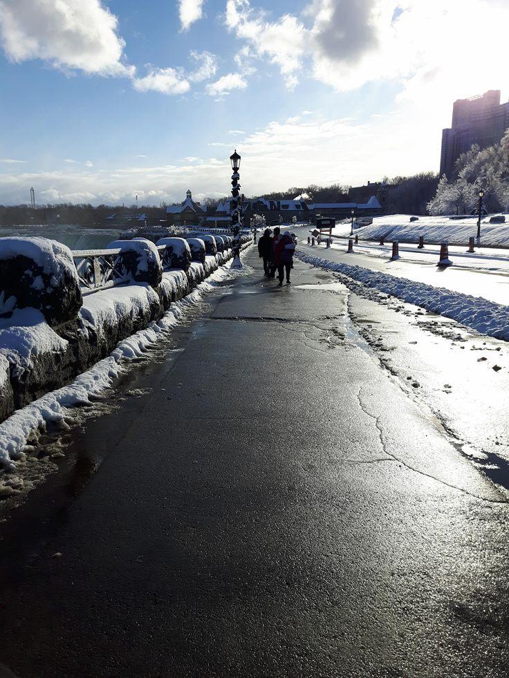 Walking in the cold, Niagara Falls, Canada