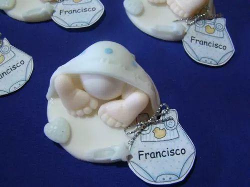 Souvenirs Porcelana Fria Nacimiento Primer Añito, Bautismo - $ 140,00