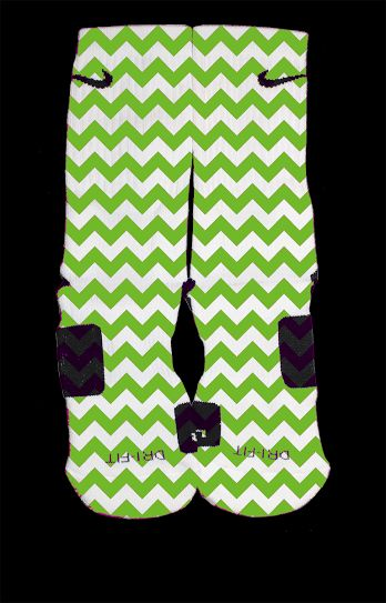 Inspired by our friend at Feature Elites- we have the New 2014 Kelly Green or Bedazzling Blue Chevron Custom Nike ElitesPlease note: Our graphic designer has 19 years experience in the industry. He works to achieve perfection. Some sock designs may take six to eight hours to create. The entire sock is covered and there is very minimal white lines if any. The reason for our price is that we use the highest quality of paper and ink. These socks will last a long time where others w...