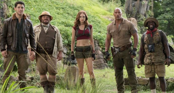 It S Time We Talk About How Massive A Hit Jumanji Welcome To The Jungle Is At The Box Office Freshly Popped Culture Dwayne Johnson Filmes Atores De Comedia