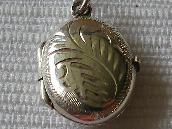 Vintage Sterling Silver Petite Double Sided Locket Pendant