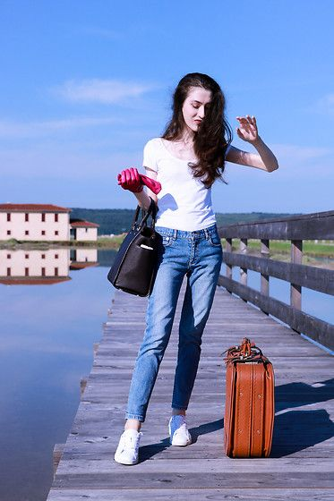 Get this look: http://lb.nu/look/8743457  More looks by Veronika Lipar: http://lb.nu/veronikalipar  Items in this look:  A.P.C. Light Blue Jeans, Michael Kors Brown Tote Bag, Diesel White Embellished Sneakers   #casual #chic #minimal #packing #suitcase #travel #traveling #summer #vacation