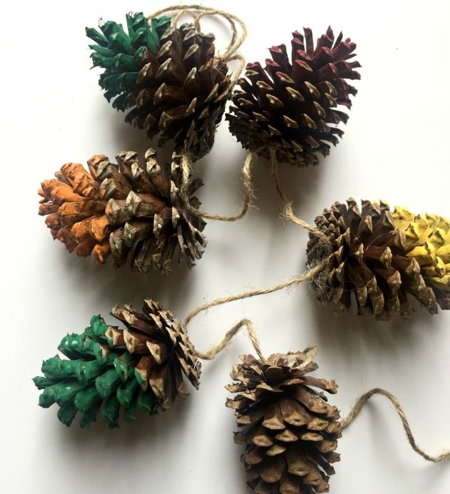 Here is how to make a pine cone garland in just a few simple steps. Incorporate a bit of nature into your winter crating.