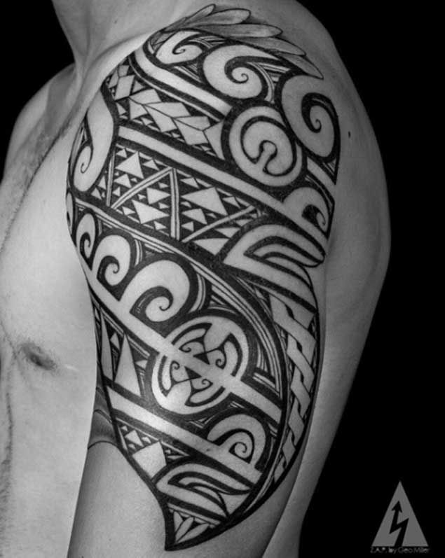 Upper Arm Tribal Tattoo by Kenny Brown