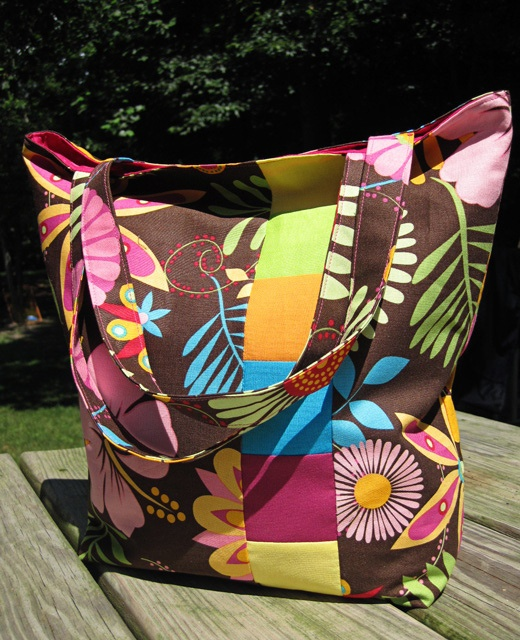 tote tutorial from @Angie Wimberly Kimel: All Beaches, Bags Tutorials, Tropical Totes, Totes Tutorials, Tropical Summer, Tropical Patterns, All Quilts Bags, Summer Bags, Quilts Bags Patterns