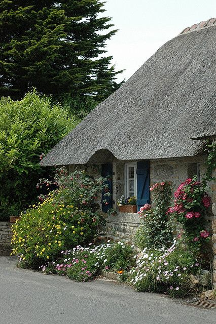 A Joyful Cottage Thatched roof is wonderful