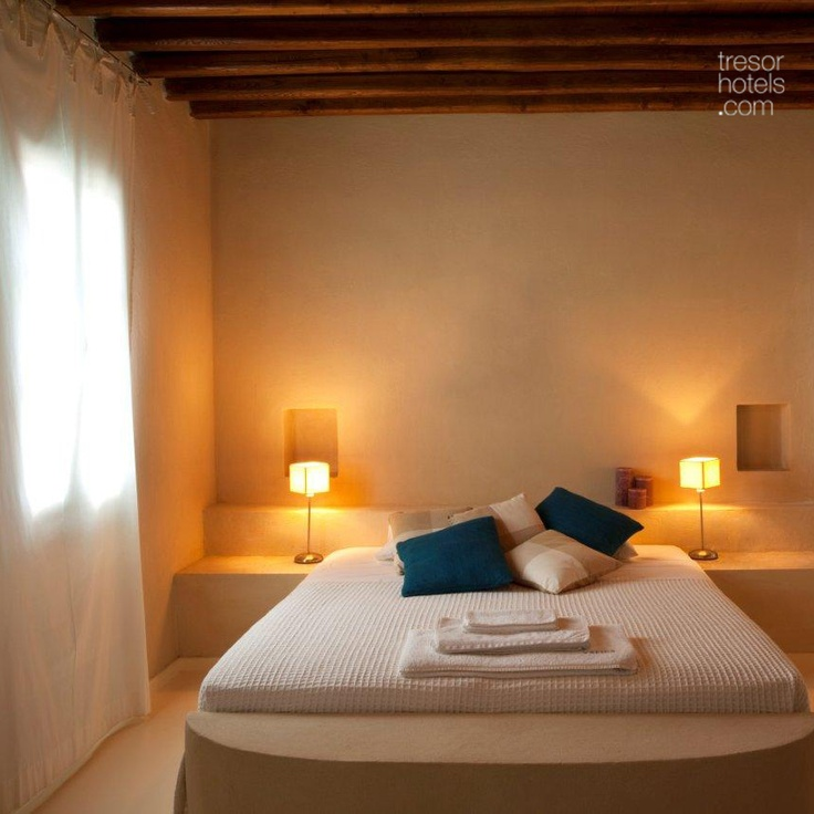 Trésor Hotels and Resorts_Luxury Boutique Hotels_#Greece_ Located in the area of #Platys Gialos in #Sifnos island, this is a #hotel that has been -obviously- blessed by the gods with the virtue of hospitality. Upon your arrival, feel the warmth and cordiality. This is accomplished at #Verina Suites in a miraculously effortless way...Enjoy a #cosmopolitan stay without missing out on anything a busy #Cycladic #island has to offer!