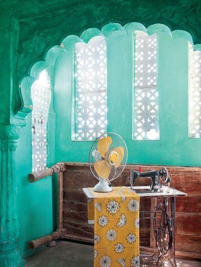 Tissu imprimé couleur : comment créer une belle déco - Côté Maison