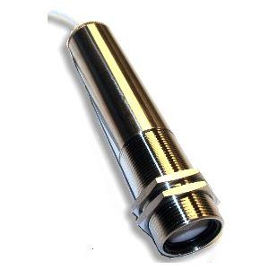 http://www.termometer.se/IR-transmitter-IR-137-18-260C-typ-KT-C-utsignal.html  IR-transmitter, IR-137, 0-100°C, typ KT/°C utsignal  Omegas nya kompakta högpresterande industriella IR-sensor / transmitter  ger olika funktioner och alternativ förpackat i ett litet  instrumenthus rostfritt stål. Justerbar emissivitet, 10 : 1 optisk synfält, justerbart larm. Enheten levereras med två låsmuttrar, 1,8 m skärmad kabel och engelsk bruksanvisning...