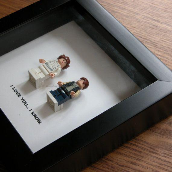 Kunst-frame-Funktion zwei LEGO® Star Wars® Minifiguren, Han Solo und Prinzessin Leia mit dem berühmten Zitat: Ich liebe dich... Ich weiß