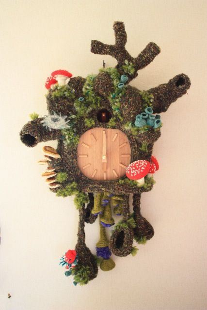 the most interesting cuckoo clock in the world.Crochet Decor, Crochet Cuckoo, Crochet Freeform, Crochet Clocks, Cuckoo Clocks, Crochet Time, Crochet Knits, Crafts, Amigurumi