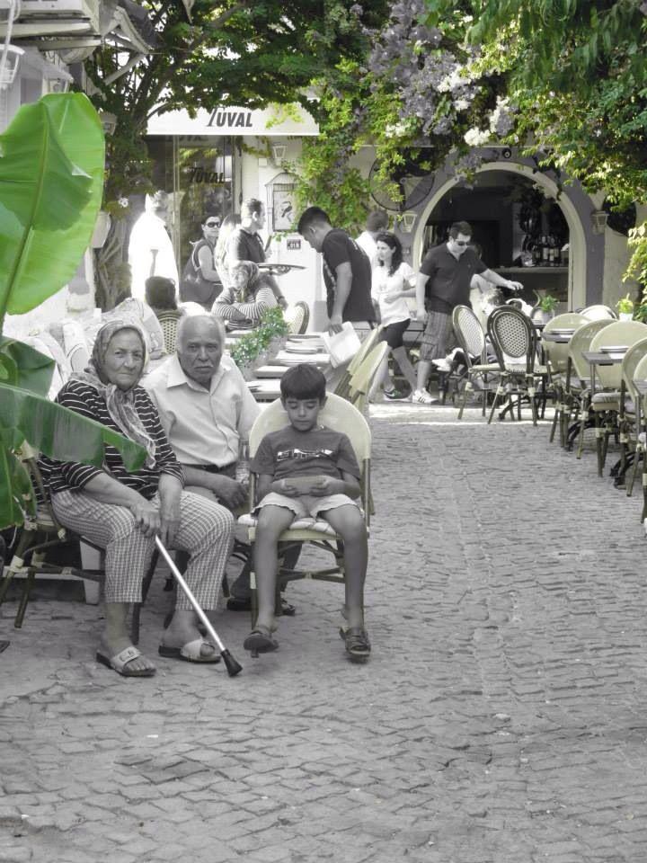 Aile... Alaçatı Çeşme İzmir  / Turkey 2014 Eylul  Photo by Sevil Nazan Keskin