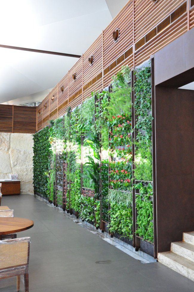 The green wall of the Sultan Ibrahim Restaurant in Maameltein // Lebanon by Green Studios photo: Home Ideas, Green Wall, Green Studios, Ibrahim Restaurant, Vertical Gardens, Sultan Ibrahim, Green Restaurant, Studios Photo, Plants Wall