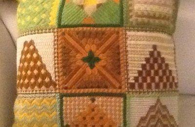 Un cuscino a 'Tapisserie'  alla mostra di Sovizzo 6-8 Dicembre