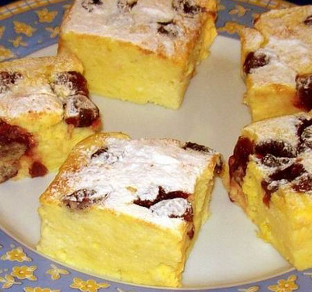 Túrókrémes süti meggyel megbolondítva
