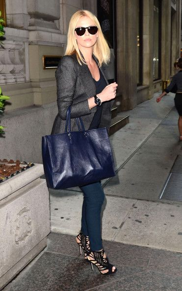 Charlize Theron - rocking colored denim.: Charlize Theron, Celebrity Style, Black Outfits, Date Outfits, Street Style, Charlizetheron, Vibrant Colors, Black Heels, Leather Totes