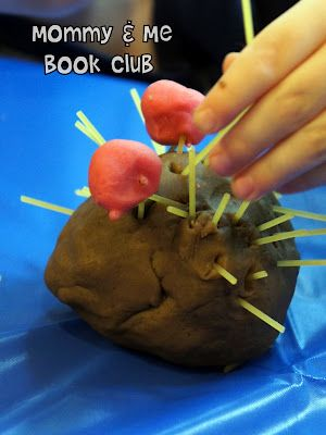 Mommy and Me Book Club: Apple Trouble Adorable blog- preschool age activities to go w different books
