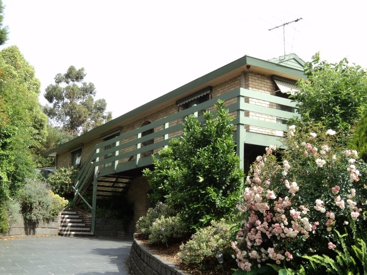 Ever fancied a visit to Ramsey Street?  Try the Neighbours tour from Melbourne!